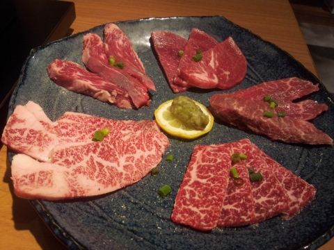 special taster set of 5 meats (3 kuroge wagyu) for 1980yen