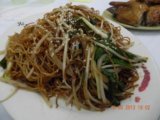 soy sauce beehoon 豆油米粉 HK$48