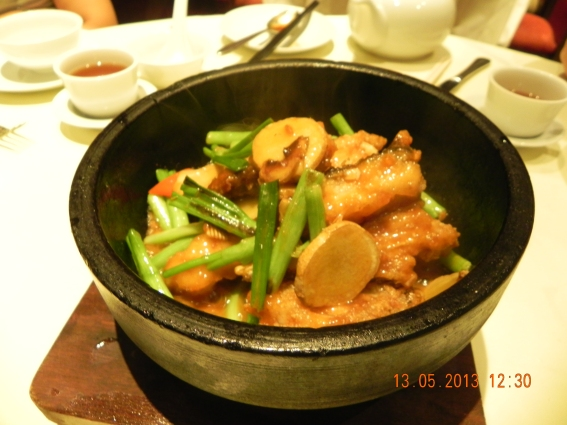 海斑 (garoupa) in claypot