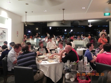 restaurants filled with tourists enjoying chilli crab
