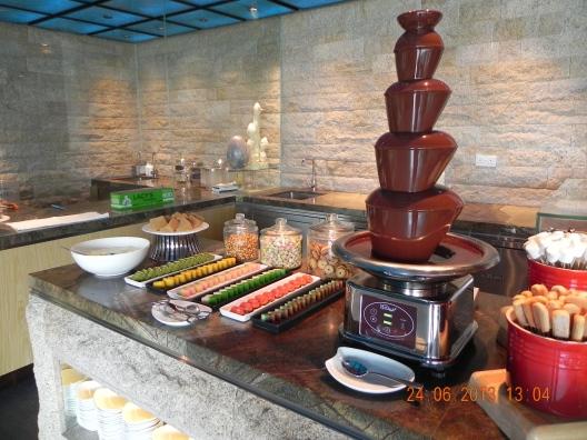 dessert - 9 layer cake & angkukueh