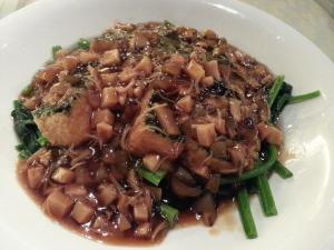 tofu spinach with diced abalones & seafood