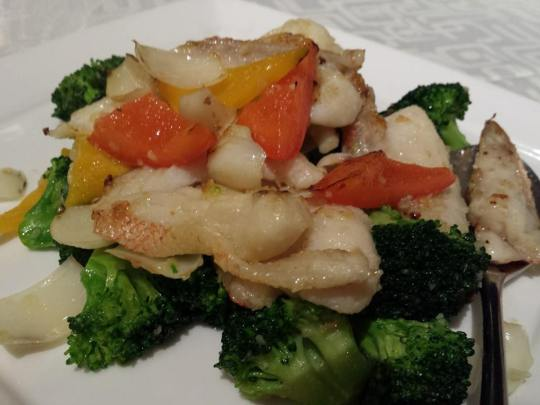 star garoupa fillet with brocoli & lily bulbs