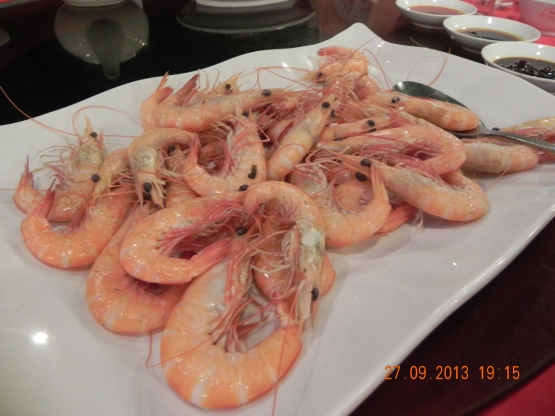 steamed sea prawns