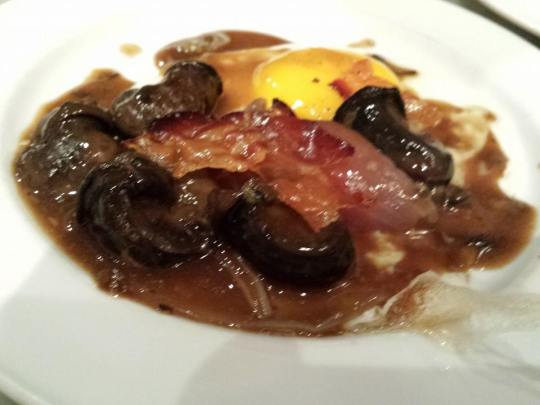 red wine escargot, fried egg & crispy bacon