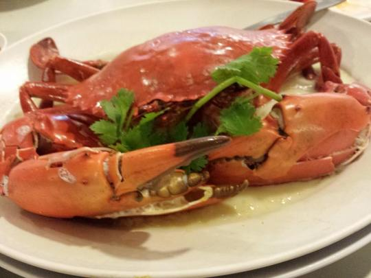 steamed sri lankan crab in wine