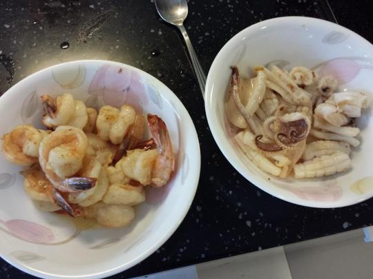 medium prawns & squid fried with butter