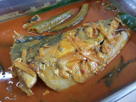 S$6 fish head curry - cheap, average