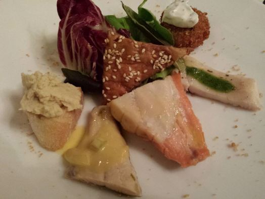 45euros pax menu darsena #1 selection of 5 lake fishes done different ways