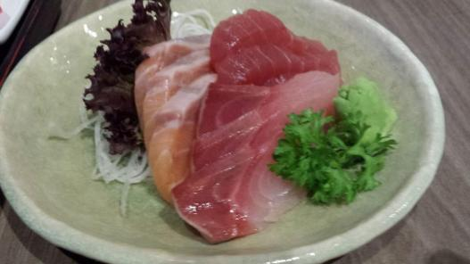 S$5 sashimi upsize - 9 pieces