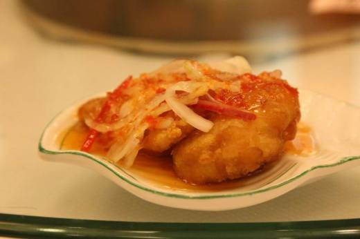 deep-fried fish fillet with thai sauce