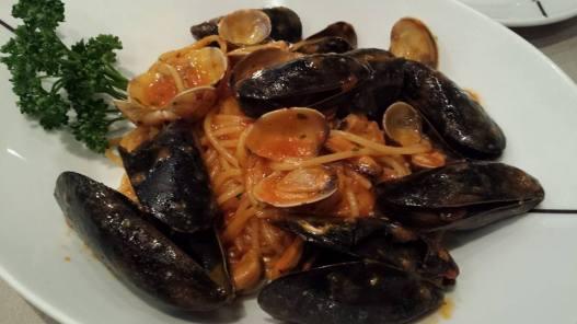 clam & mussels pasta