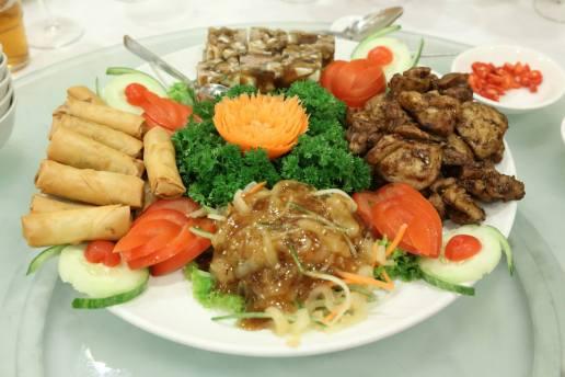 appetizer platter - spring rolls, jellyfish, chicken, trotter jelly
