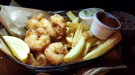 prawn fritters & chips (fries)
