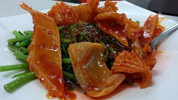 cuttlefish with kang kong
