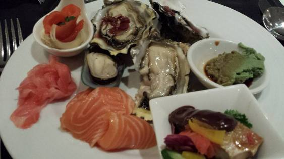 smoked salmon (so so), oysters (good), mussel (ok), salmon belly (good), marinated saba - horse mackerel (ok)