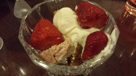 deconstructed strawberry cheese cake