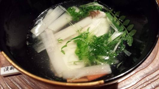 clear soup with fish