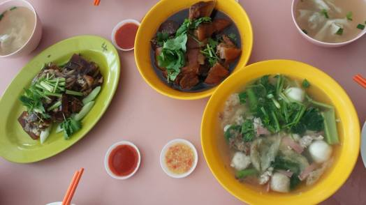 lunch dishes = 3 dishes for S$15