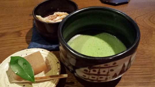 macha & sweets at Gettoan ryokan room
