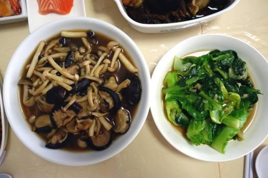 mushrooms & greens