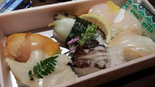 shellfish sushi 1100yen