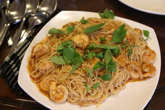 chilli crab angel hair pasta wo crab