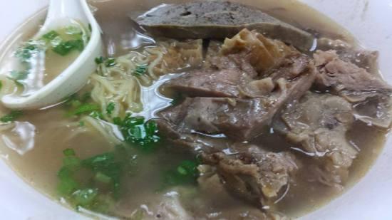 beef noodles soup 新源牛腩牛杂面