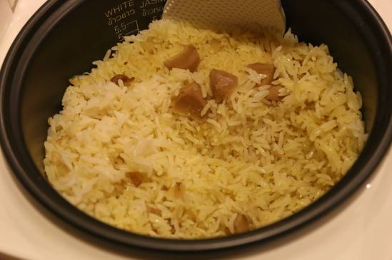 chicken rice (ginger & browned onions)