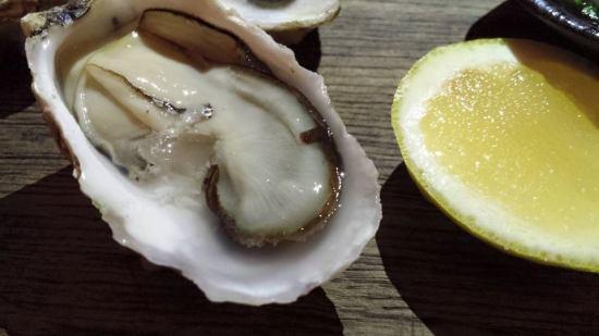 oysters & lemon
