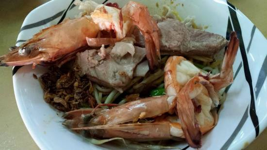 S$6 big prawn noodles + $2 pork ribs