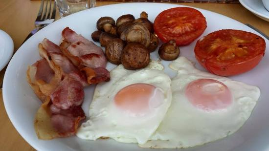 big breakfast at glencree house less sausage & beans
