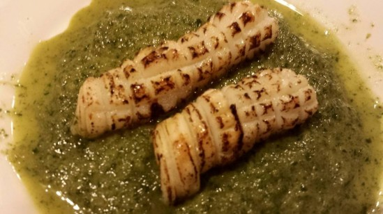 flamed squid with spinach sauce