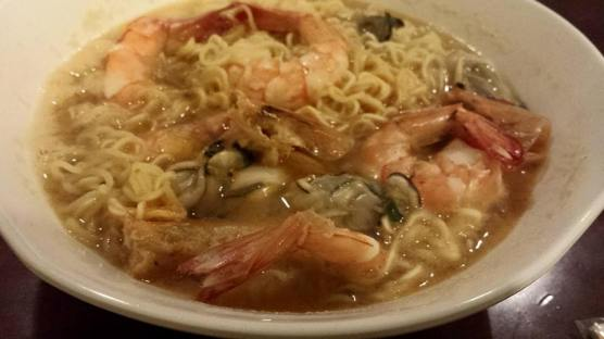 instant noodles with prawn & oysters