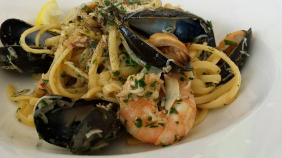 newlyn crabmeat seafood linguine