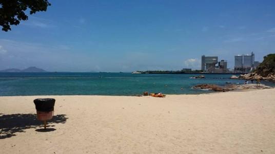 beach on the way to suk ku wan