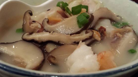 soup dumplings 海味抄手2