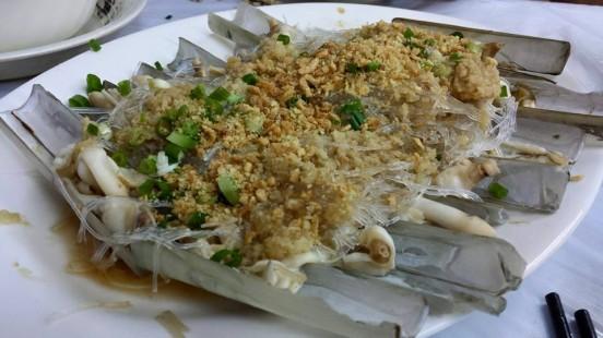 steamed razor clams in garlic & tanhoon