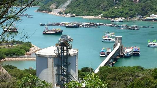 unloading jetty near suk ku wan