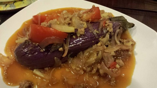 whole eggplant with meat onion sauce