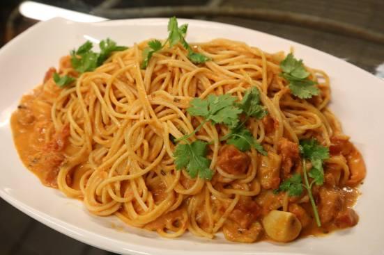 #11 prawn spaghetti in pinck sauce (creamy tomatoes)