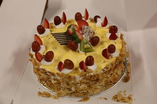 #16 queenie brought chempedak cake from singapore swimming club - very nice