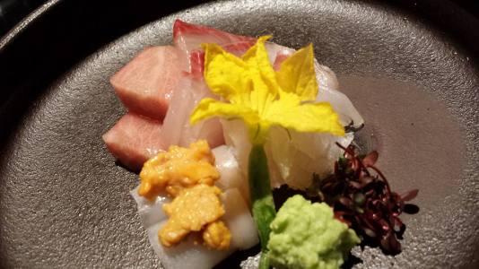 sashimi moriawase - otoro, uni, ika, hamachi, hirame