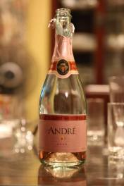 chong lee brought rose champagne