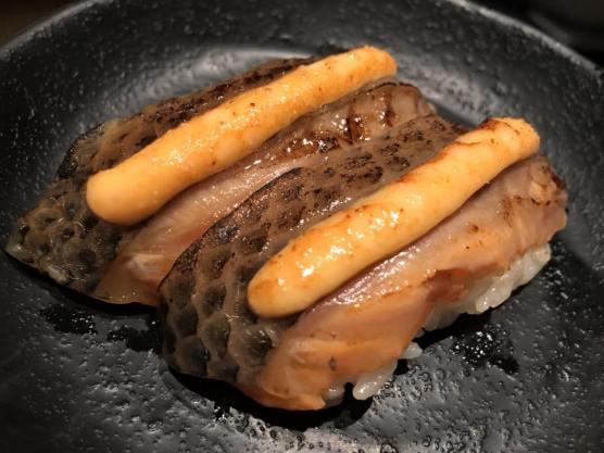 salmon sushi S$0.60