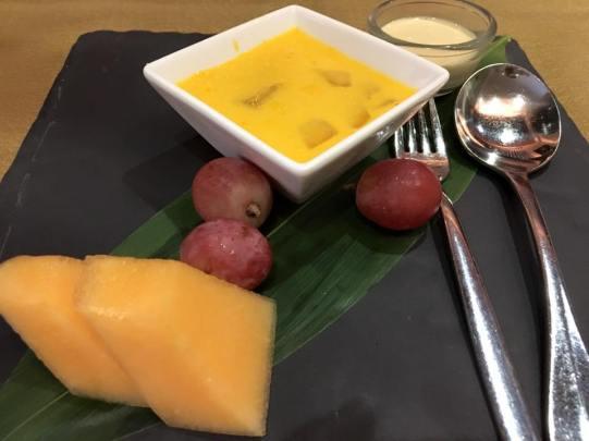 mango pudding dessert