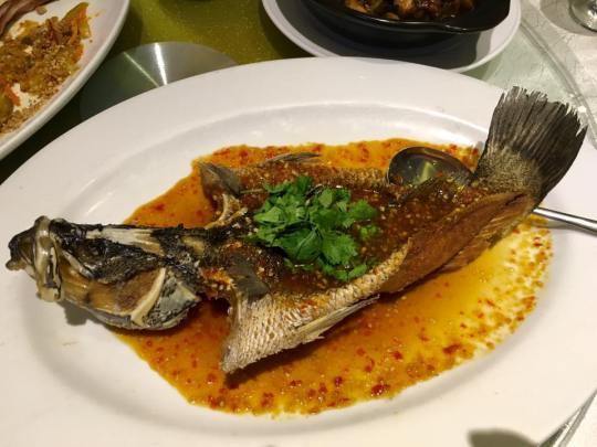 #3 deepfried seabass in thai sauce