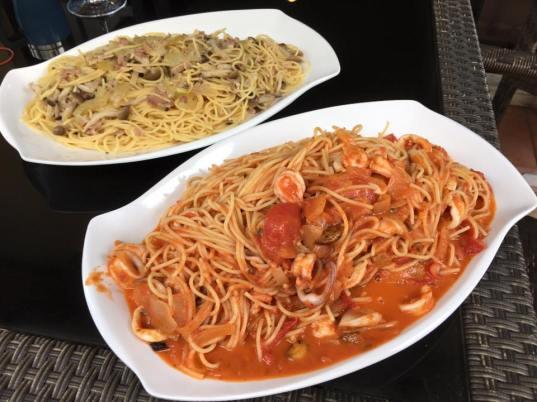 2 pastas=wafu 和风pasta & seafood spaghetti in pink sauce (creamy tomatoes)