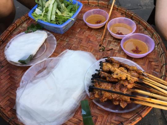 thit nuong at road side skewer stall