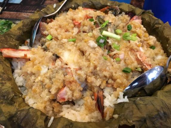 lotus leaf steamed rice with garlic prawns 荷叶鲜虾蒸饭